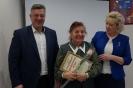 вручение Благодарственного письма руководителю  Совета ветеранов М.П. Озеровой
