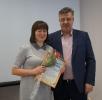 вручение Приветственного адреса с Днем рождения начальнику Пенсионного фонда М.Б. Киселевой
