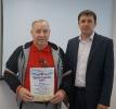Вручение Приветственного адреса с Днем рождения  сторожу Администрации района В.И. Шипкову