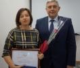 вручение Почетной грамоты Правительства Алтайского края начальнику Управления социальной защиты населения по Тальменскому району